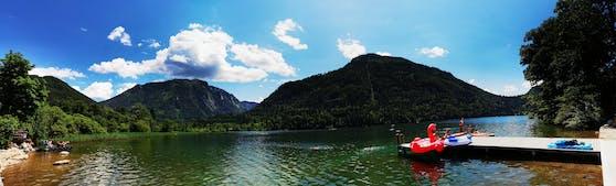Der glasklare Lunzer See wärmte sich an diesem heißen Sonntag auf und lud - anders als sonst - zum etwas längeren Verweilen im Wasser ein.