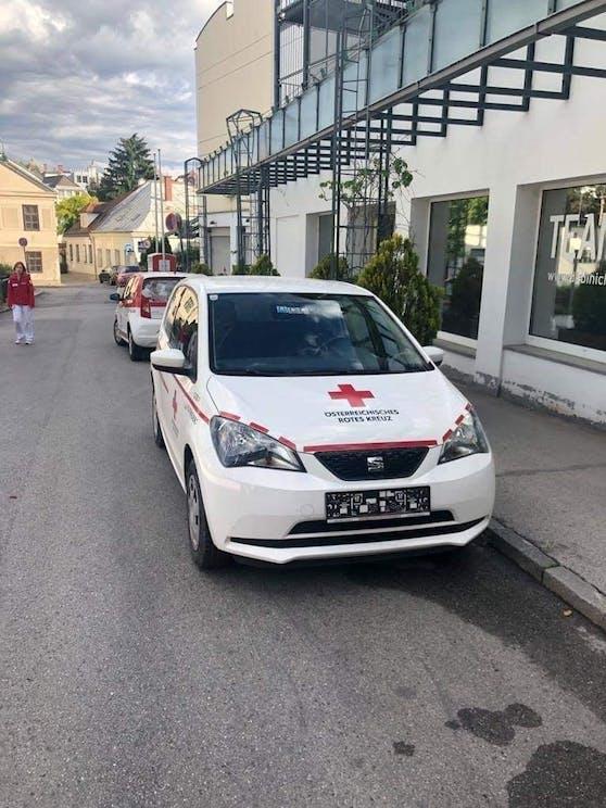 Kennzeichen wurden von diesem Rotkreuz-Auto gestohlen.