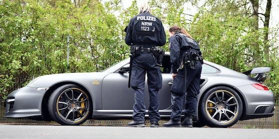 Der Porsche-Poser wurde von der Polizei angehalten.