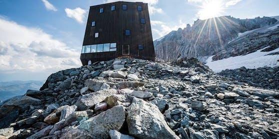 Schwarzsteinhütte