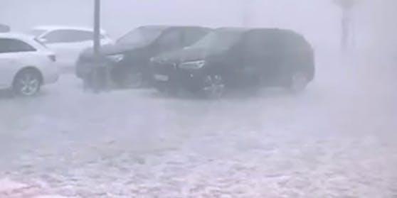 Heftige Niederschläge, Sturmböen und Gewitter sind am Montag, 29. Juni 2020, über Teile der Steiermark gezogen. Im Bild die Situation im Raum Gleisdorf in der Oststeiermark