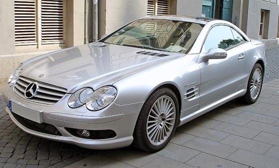 Der Lenker war mit einem Mercedes SL 55 AMG in grau unterwegs.