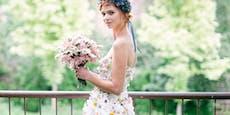 Dieses Hochzeitskleid besteht aus 22.000 echten Blumen