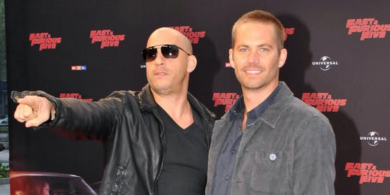 """Vin Diesel (li.) und Paul Walker verband eine enge Freundschaft. Ihre Kinder führen die starke """"Familienbande"""" fort."""