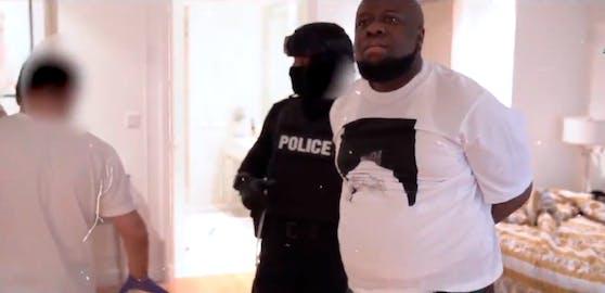 """Die Polizei filmte die Festnahme von Raymond """"Hushpuppi"""" Abbas mit."""