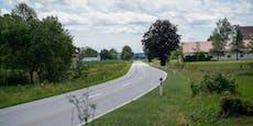 223 km/h durch Ortschaft: Schein Monate weg, Geldstrafe