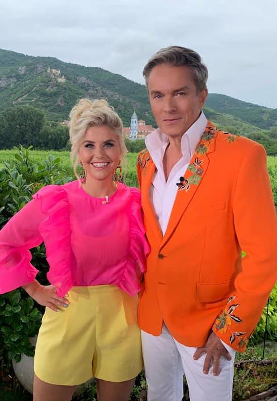 """Kunterbunt im TV: Beatrice Egli und Alfons Haider beim Dreh zu """"Stars in der Wachau"""""""