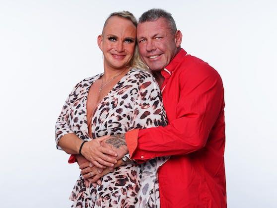 """Stark im Geschäft: Nach ihrem """"Sommerhaus""""-Auftritt und einer eigenen Doku-Soap ergattern Caro und Andreas Robens auch lukrative Werbedeals."""
