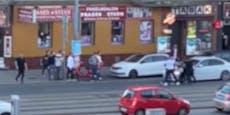 Gruppenschlägerei mitten auf der Prager Straße