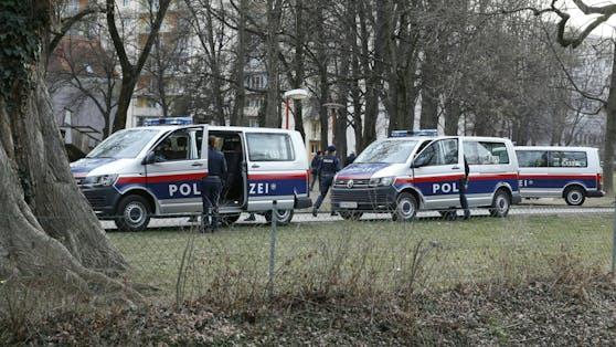 Die Polizei sucht Zeugen der Attacke.