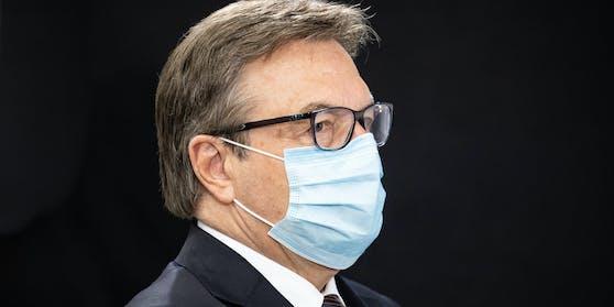 Landeshauptmann Günter Platter (ÖVP) setzt auf strengere Maßnahmen und unterstützt die Verordnungen der Bundesregierung.
