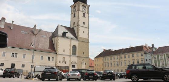 Der Domplatz in St. Pölten.