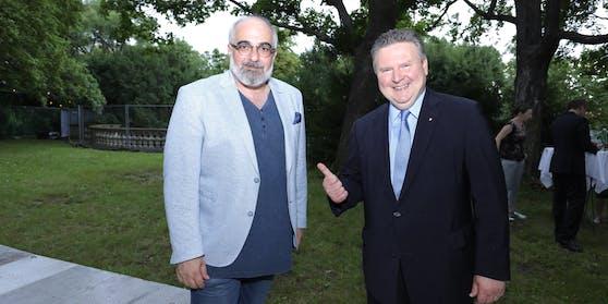Michael Niavarani mit Bürgermeister Michael Ludwig.