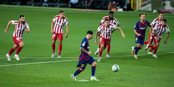 Lionel Messi traf mit einem Panenka-Elfer zum 700. Mal.