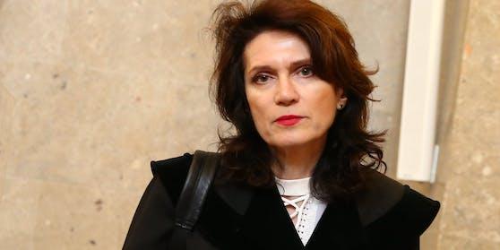 Star-Anwältin Astrid Wagner vertritt Alois H. vor Gericht.