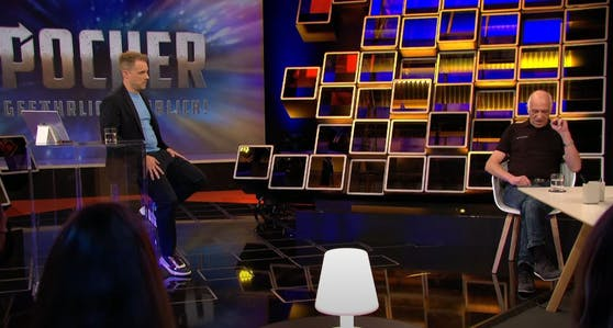 """Oliver Pocher (li.) lud im Rahmen seiner TV-Show """"Pocher - Gefährlich ehrlich!"""" Manfred Weßels (re.) zur Aussprache."""