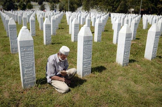 Das Europaparlament erklärte 2009 den 11. Juli zum Gedenktag für die Opfer von Srebrenica.