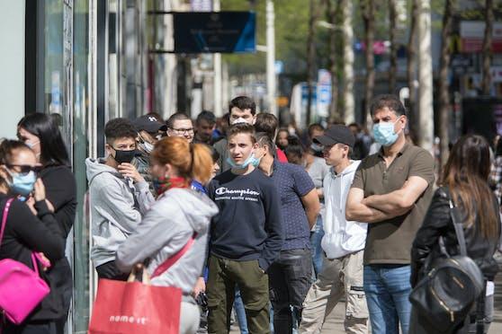 Auch auf der Wiener Mariahilfer Straße müssten bei einem zweiten Lockdown wieder die Geschäfte schließen.