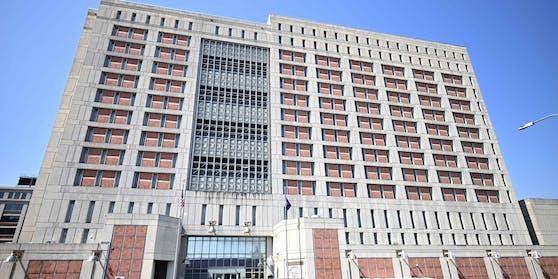 Die Epstein-Vertraute Ghislaine Maxwell wartet im Metropolitan Detention Centre in Brooklyn (New York) auf ihren Prozess.