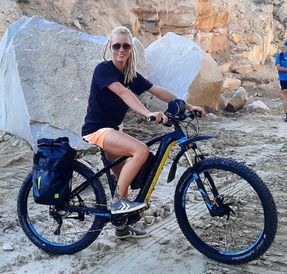 """Diebe nahmen das E-Bike der Marke """"Focus Bold2 Plus"""" von Jasmine B. (32) aus Linz einfach mit."""