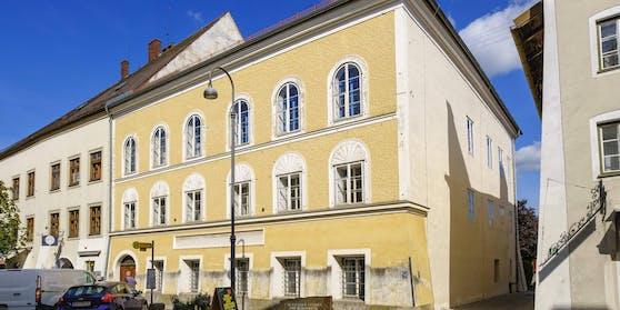 So sieht Hitlers Geburtshaus jetzt vor dem Umbau aus.