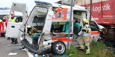 """Zivi"" crasht Rettungsauto zum Totalschaden"