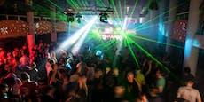 Fetisch-Party mit 600 Gästen von Polizei aufgelöst