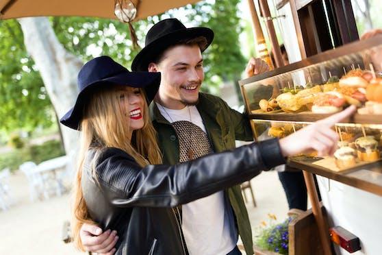 Beim Street Food Festival in Ansfelden gibt's Schmankerl aus aller Welt.