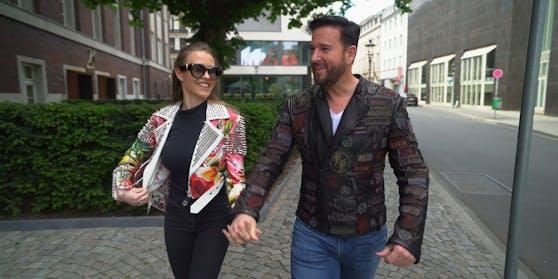 Laura (li.) und Michael Wendler am Weg ins Tonstudio. Die nächste Herausforderung erwartet das Paar aber bei den Dreharbeiten zum Doku-Vorspann.