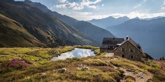 Die Friedrichshafener Hütte, ein aus Naturstein gebautes, gepflegtes Berggasthaus, ist auch Teil des Kulinarischen Jakobswegs