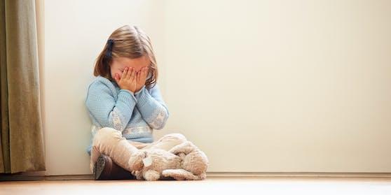64 Fälle von Gewalt an Kindern verzeichnete das Land während des Corona-Lockdowns.