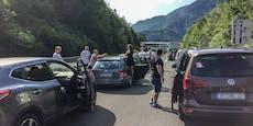Autobrand, Tunnelsperre und Mega-Stau an Grenzen