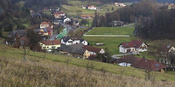 In der Gemeinde Mühlgraben soll es zu der Bluttat gekommen sein.Das Foto zeigt den Ort von Südwesten