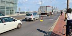 Radl-Protest auf Linzer Brücke sorgt für Staus
