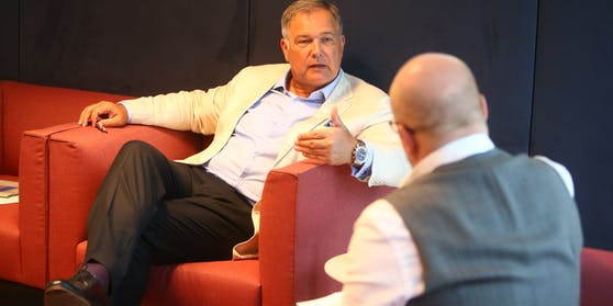 """Wiens Wirtschaftskammer-Präsident Walter Ruck im Gespräch mit """"Heute""""-Wienchef Claus Kramsl"""