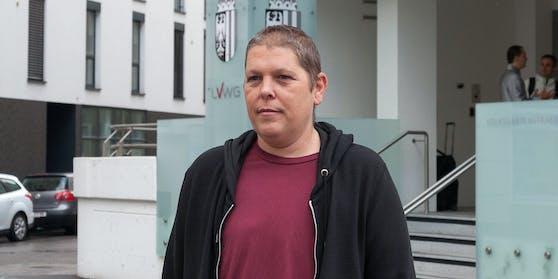 Alex Jürgen wurde am 7. September 1976 in Steyr als intergeschlechtlicher Mensch geboren.