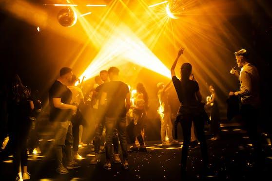 Clubs und Discos sollten im Laufe des Sommers wieder aufsperren dürfen (Symbolbild).
