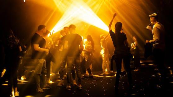 Clubs und Diskotheken sperren in der Nacht auf Donnerstag wieder auf.