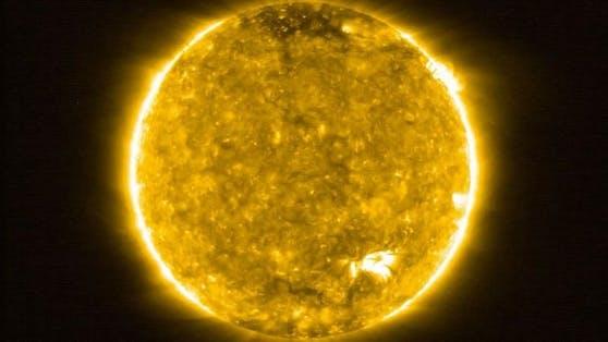 Forscher beobachteten erstmals ein Lagerfeuer auf der Sonne.