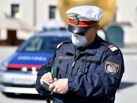 In Oberösterreich werden pro Jahr mehr als 100 Beamte durch Fremdverschulden im Dienst verletzt.
