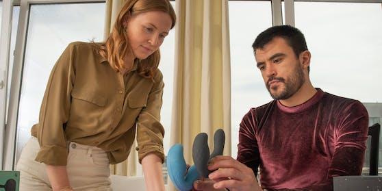 Produkt-Designer Jon Derman Harris und Johanna Gmelin bei der Entwicklung der neuen Sex-Spielzeug-Linie