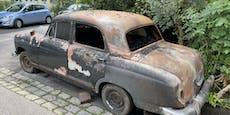 Brandstifter fackelt zwei Oldtimer in Garage ab