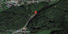 Motorradfahrer prallt gegen Fels und stirbt sofort