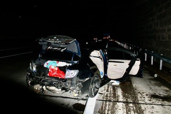 Samstagnacht kam es auf der A1 bei Ansfelden zwischen zwei Pkw zum Auffahrunfall.