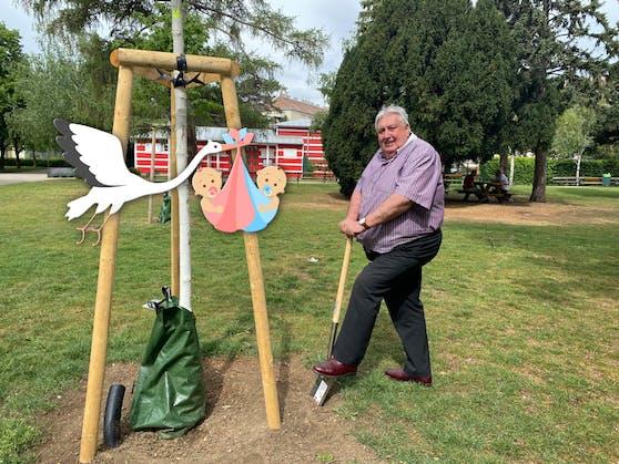Für jedes Kind, das im Juli in Simmering geboren wird, lässt Bezirkschef Paul Stadler (FPÖ) einen Baum pflanzen.
