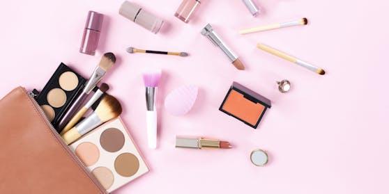 In 76 Prozent der Kosmetika ist Plastik drin.