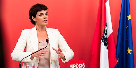 """Die Bundesparteivorsitzende der SPÖ fordert ein """"zentrales Corona-Bremssystem""""."""