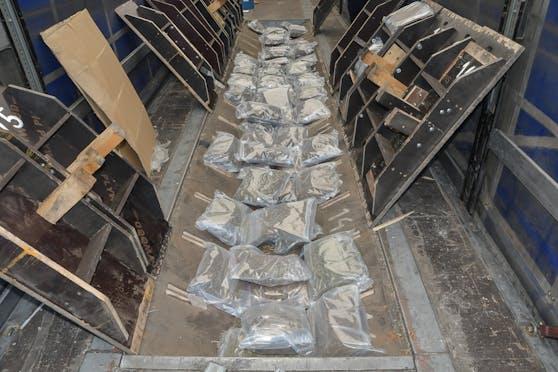 Auf einer versteckten Ladefläche wurde das Marihuana gefunden.