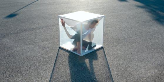 Fünf Künstler ziehen ab 1. August in Mini-Glasboxen.