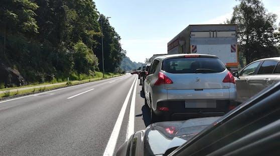 Zwischen Linz und Puchenau staute es am Dienstagvormittag wegen der Sprengungen zum Westring.